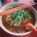 Seafood Tom Yam for dinner yesterday ;) #Instadaily #instagood #instamood #instafood #foodporn #foodies #foodstagram #igmalaysia #asianatwork #tomyam #seafood #yumyum #spicy #alorstreet
