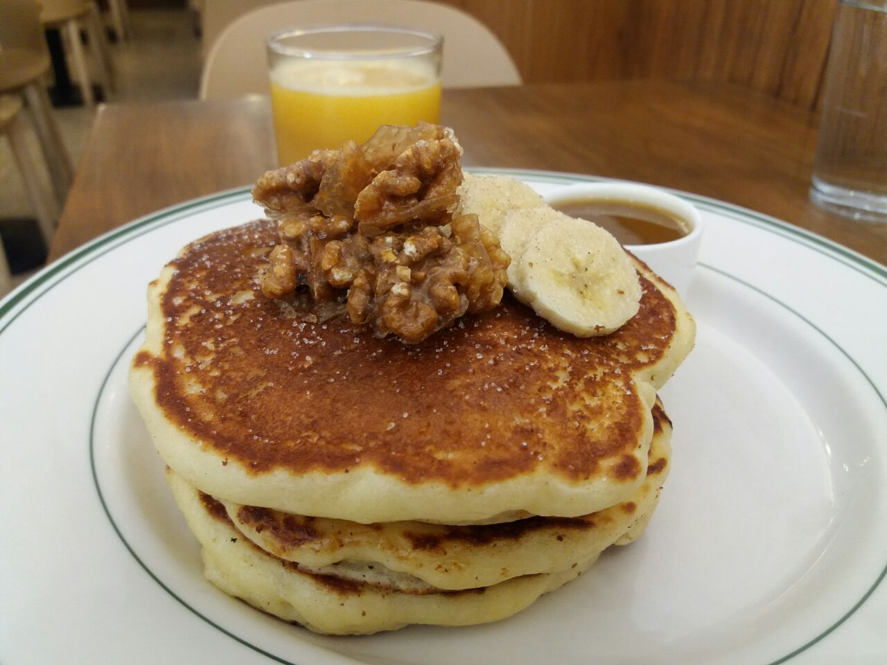 Pancakes With Banana And Candied Walnut