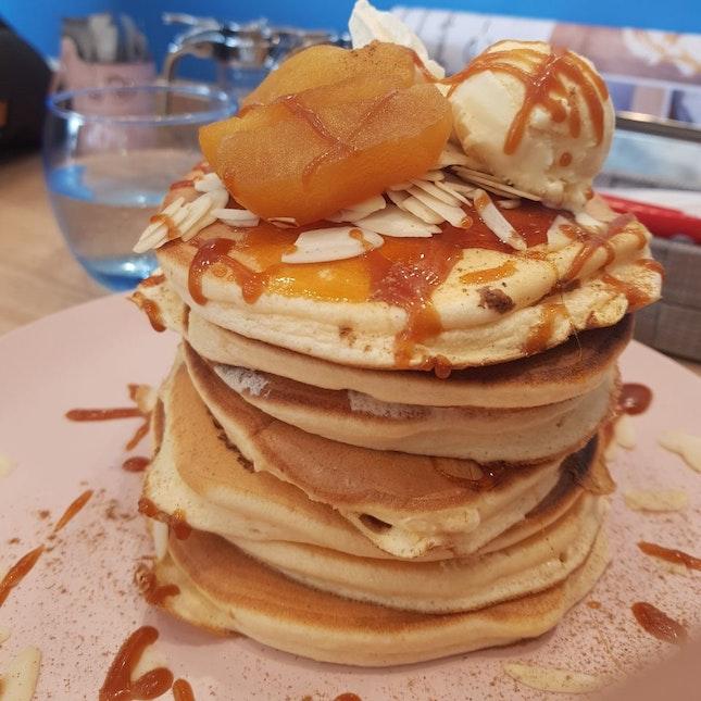 Caramel & Apples Pancakes ($16.2)