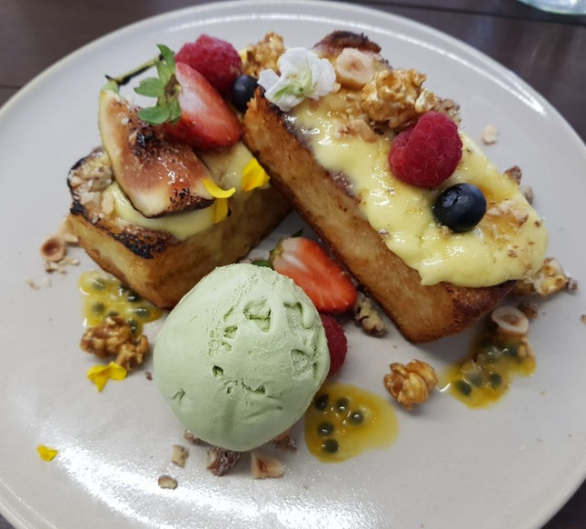 Creme Brulee French toast ($18.5)