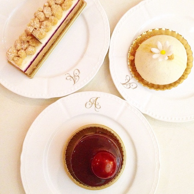 Pretty French Cakes