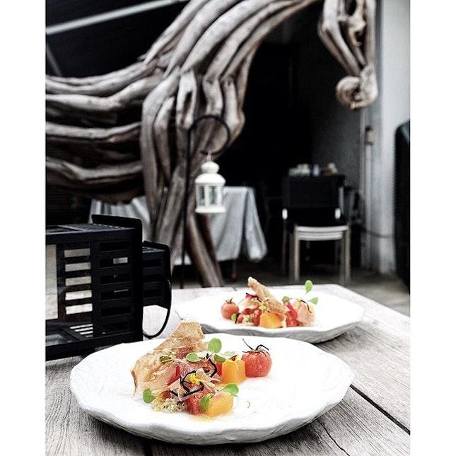 Salad of vine-ripened tomatoes for starters  #sgcafe #sgcafehop #portico #porticosg #cafehopping #tslmakans #burpple #bonappetitbkk #exsgcafes #explorethehood #exploreeverything #exploresingapore #yoursingapore #visit_singapore