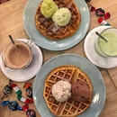 1-for-1 WAFFLE + DOUBLE SCOOPS + 1 DRINK via @burpple!!