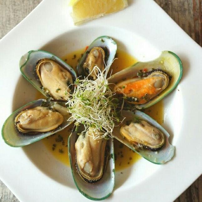 Garlic Beer Mussels