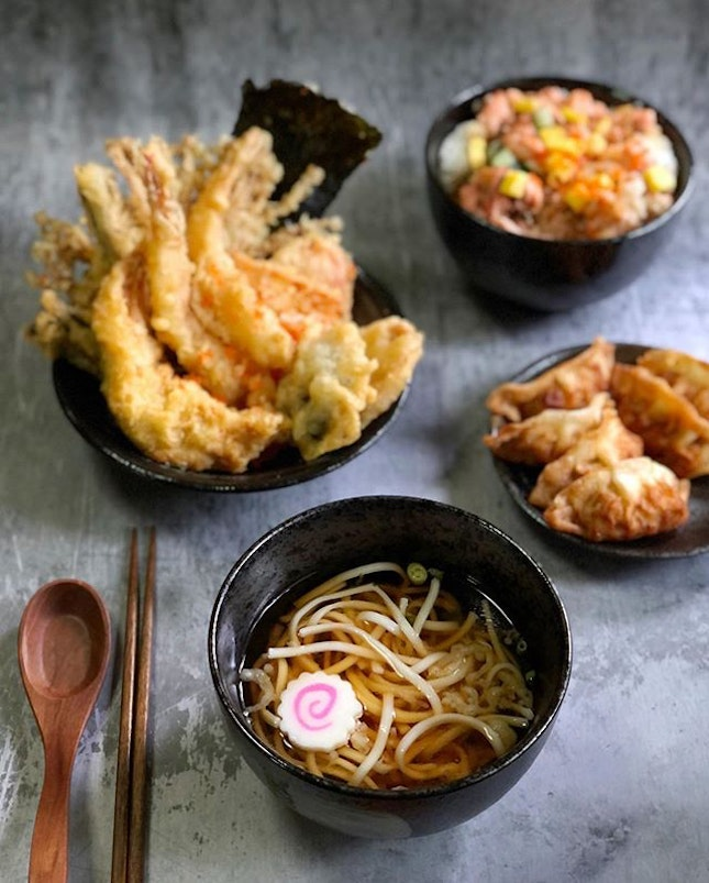 𝐂𝐁 𝐃𝐚𝐲 𝟏𝟓 - Satisfied my craving for #tendon~ Ordered @koganeyamasg for #lunch and I must say that their online ordering system is fuss-free and delivery is prompt!  I like how they pack the noodles and soup separately and that my tendon remain crispy upon arrival (It's at least half hour drive from the nearest outlet to my house)!  #koganeyama #koganeyama #tendon #japanesefood #wfh #circuitbreakersg #savefnbsg