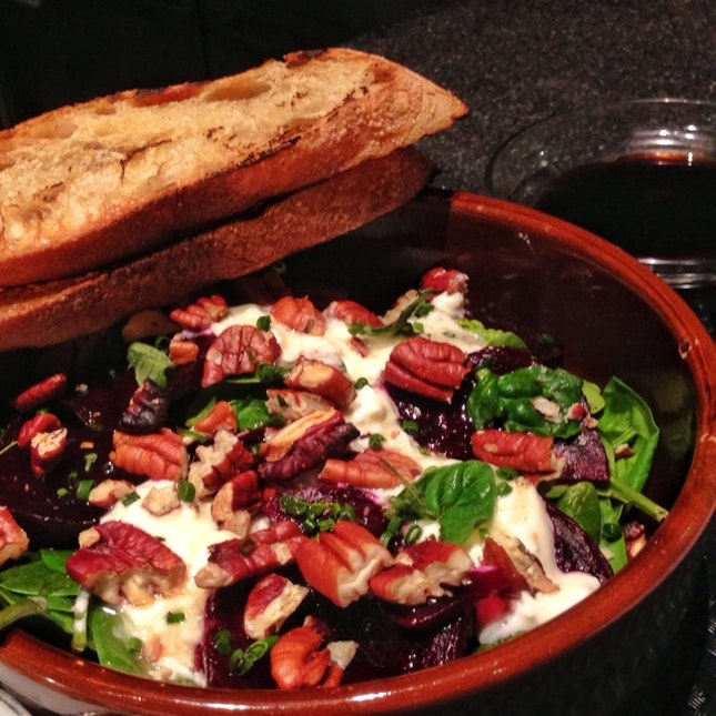 Beetroot & Spinach Salad With Feta & Yoghurt