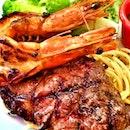 #instagram #instaphoto #instagrammers #instafood #instasg #instafoodie #instagrapher #instaseafood #yummy #delicious #lifeisdeliciousinsingapore #gf_singapore #foodartstylesgf #8dayseatout prawn & steak