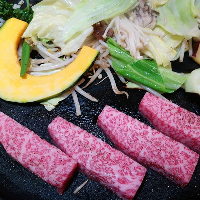 #steak #beef #sagabeef #sagagyu #wagyu #teppanyaki #grill #grilledbeef  #japan #kyushu #saga #michelinguide #onemichelinstar  #8dayseat #burpple #buzzfeast #buzzfeedfood #eeeeeats #feedfeed #foodphotography  #foodporn #foodstagram #huffposttaste #hungrygowhere #igfoodies #mychefstable #thetravelintern #traveleats #whati8today #yahoofood