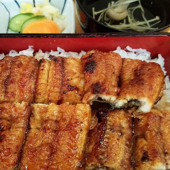 Loading up on #unagi for the winter #unagidon #unadon #grilledeel #eel #kabayaki #rice #ricebowl  #japan #kyushu #fukuoka #hakata  #8dayseat #burpple #buzzfeast #buzzfeedfood #eeeeeats #feedfeed #foodphotography #foodporn #foodstagram #huffposttaste #hungrygowhere #igfoodies #mychefstable #thetravelintern #traveleats #whati8today #yahoofood