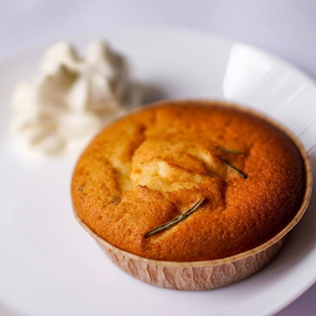 Deliciously orange- and rosemary-scented Olive Oil Cake at #SummerHillSG.