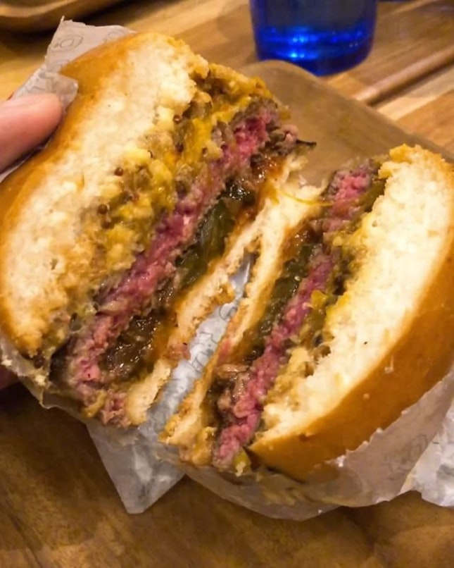 @PotatoHeadSG's winning burger and cocktail brand #ThreeBuns has a new outlet along the swanky Robertson Quay area!