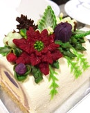 Take a moment to admire this super intricate #GoodwoodParkHotel Yuletide Blossom #LogCake (contains alcohol; $82 for 1kg).