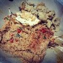 Dearest husband noes me best..i love it spicy..tks @bellemy_amoy hntr makan to ur bncit wife hor #nasigorengkampung #foodie #foodporn #whatieattoday #yumyum #dinner
