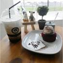 👫 red velvet lava cake & coffee..