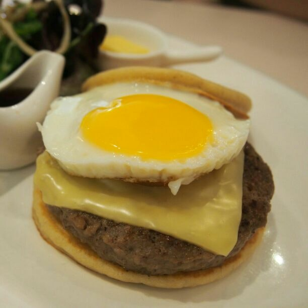 Cheese Burger Pancake Style!