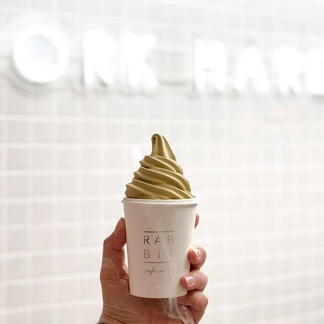 @rabbitsoftserve is finally somewhere near us at JB!