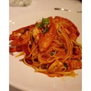 Lobster linguine // make that a want this dinner.
