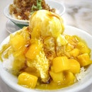 Fresh Mango /w Ice Cream and Pomelo $3.9