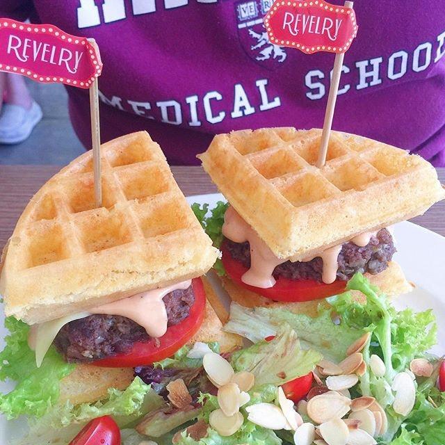 [LORONG KILAT] Burger + Waffle = Burffle!
