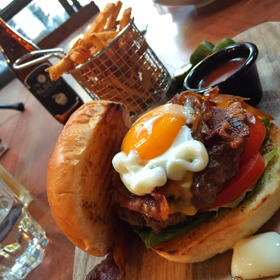 Yard Beef Burger with Onsen Egg