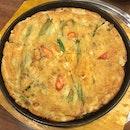 Haemool Pajeon (Panfried Seafood Onion Pancake)