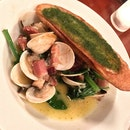Clams, Beurre Blanc, Bacon & Spinach