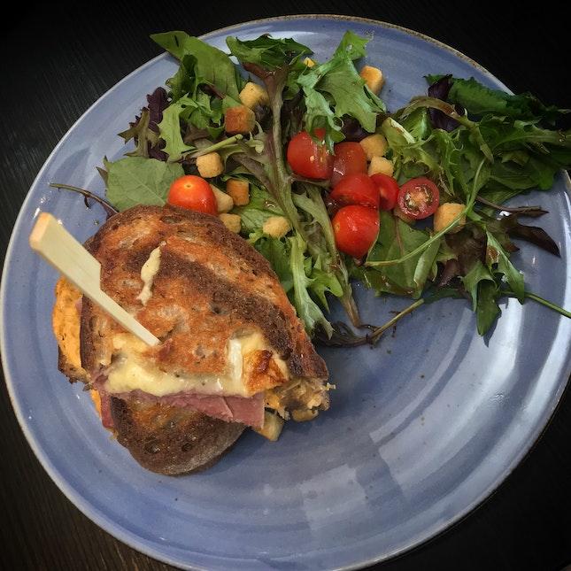 Rueben Sandwich & Mesclun Salad