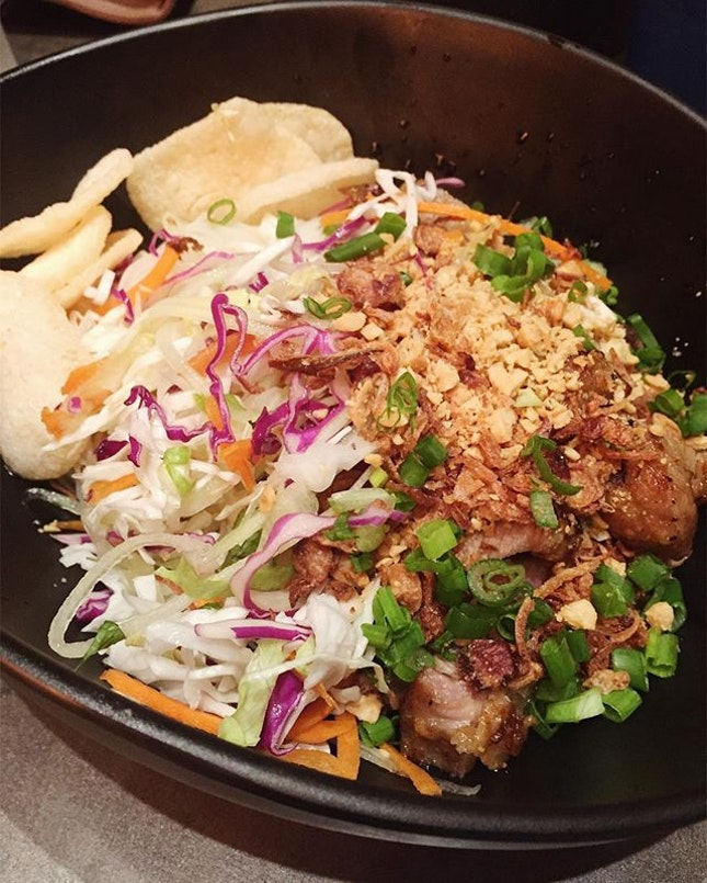 Been eating so much #vietnamese food recently that I am so looking forward to next Lemongrass Pork dry noodles ($11)