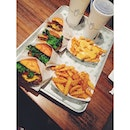 Fueling our tummies with super yums #fastfood before the mega spoiler of Spiderman 2 💔 #nyc #burger #fries #vsco #vscocam #vscogram #vscocollections #vscophile #foodgasm #sharefood #foodphotography #instafood #vscofeature #foodporn #vscofood #vscovibe #vscostyle #vscocomp #vscoaesthetics