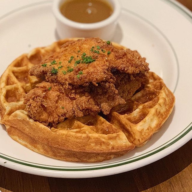 These chicken and waffles are without a doubt one of the best I've had in SG 🥰