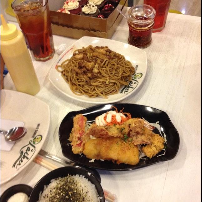 Mixed Seafood, Mie Grg Seafood N Cupcake