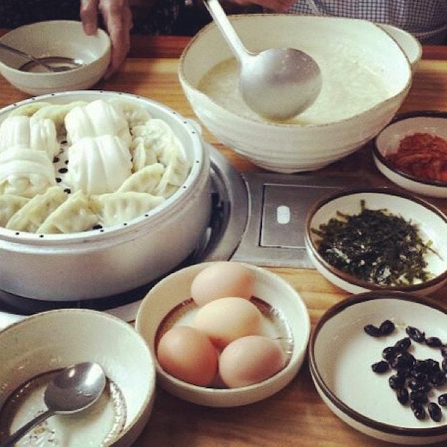 Snapshot from Korea:  Feasting like a king!