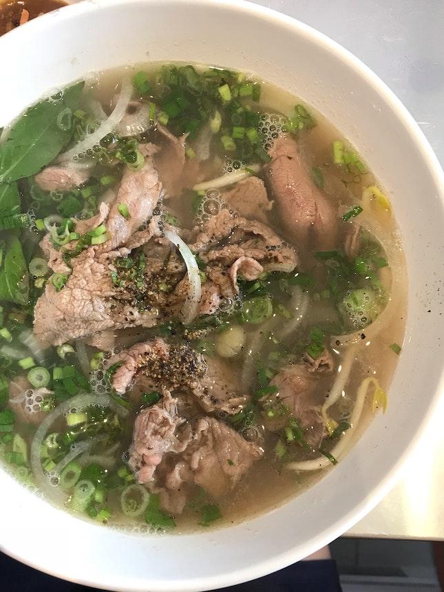 Phò Tái   Medium-Rare Beef Noodle Soup ($7.90)