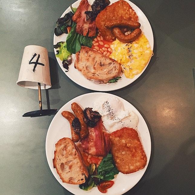 So FULL on FULL English Breakfast.