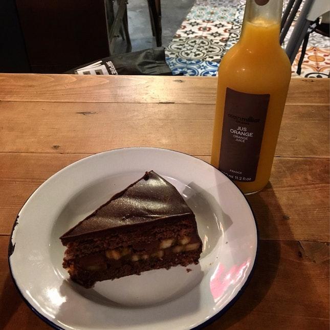 Banana Cake N Orange Juice