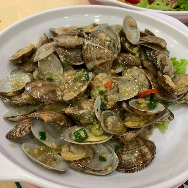 Garlic Chilli Clams