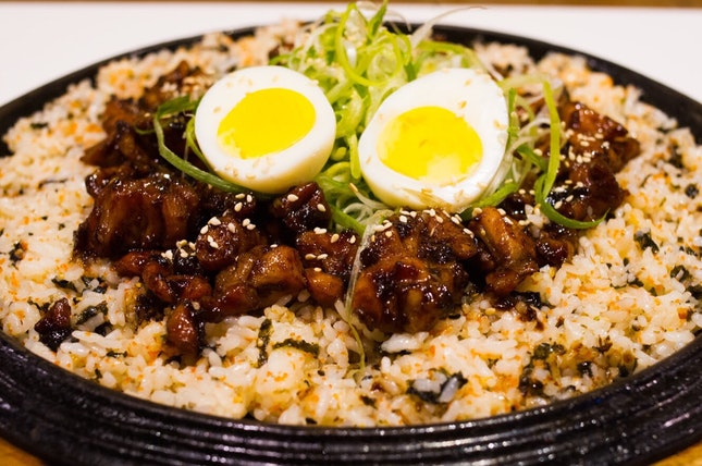 Another welcome addition to me is the Soy Dakgalbi ($32.90) - they finally have a rice/carbo dish!