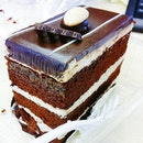 #Chocolate Cakes with more sponge than cream = the best!