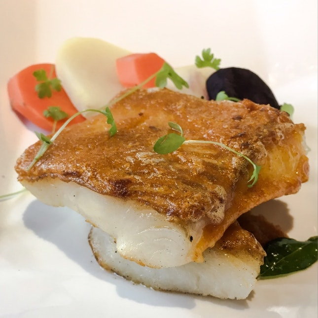 Baked Halibut with Curry Hollandaise