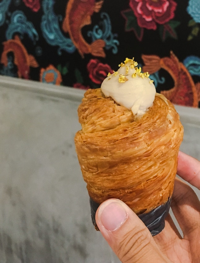Osthmanthus Oolong Cruffin