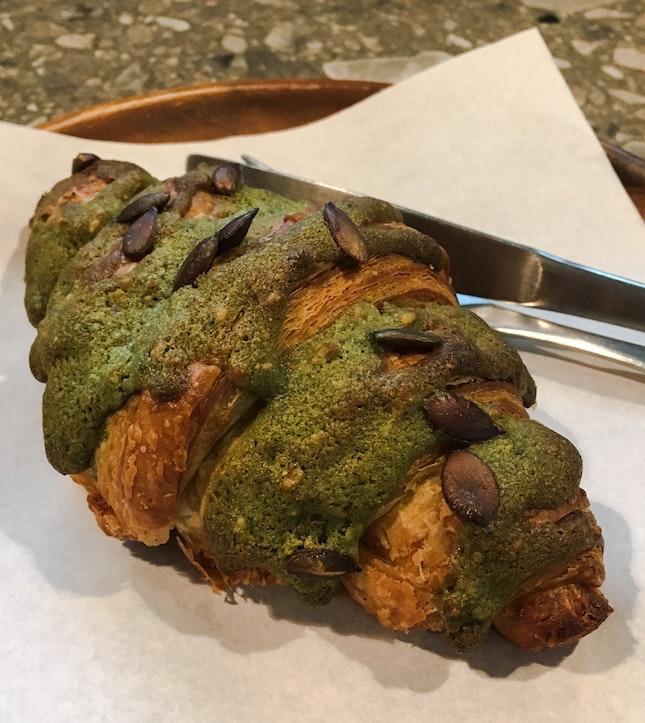 Matcha Creme Croissant