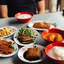Sometimes we prefer Teochew porridge over toast and eggs for Sunday brunch 💕