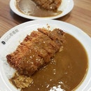 {Chicken Katsu Jap Curry Rice}  Not really a fan of curry/spicy stuff, but I somehow find myself liking this one here cos it's not too spicy and just the right balance for the thickness - neither watery nor clumpy.