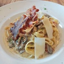 {Bacon and Mushroom Fettucine with Truffle Oil}  Wow this pasta sure packed a punch with all the strong flavours!