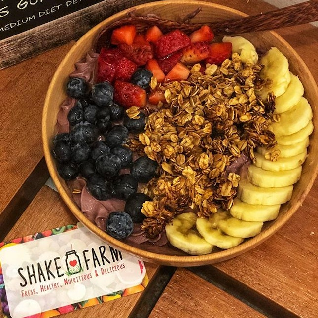 The superfood bowl ($12) - Large 🤤😋•Found my new favourite healthy hideout in the CBD area that serves an extensive range of salads, toasts, shakes and acai bowls ❤️#burpple