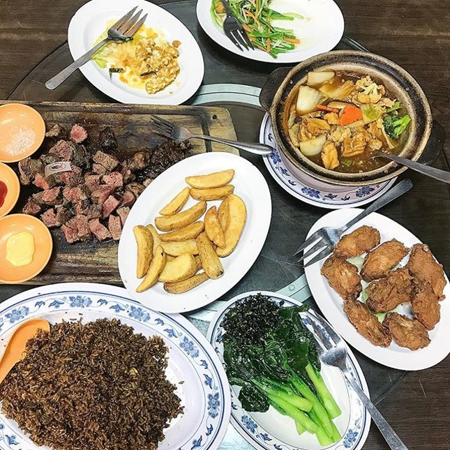 """【 new • ubin • seafood 】besides that (overpriced) US Black Angus Ribeye Steak which I think is relatively good for a Zi Char eatery (I won't even say it's darn good if i compared it with many other steakhouses) and the Salted Egg Squid which has pretty legit sauce, I honestly feel everything else is just """"standard""""."""