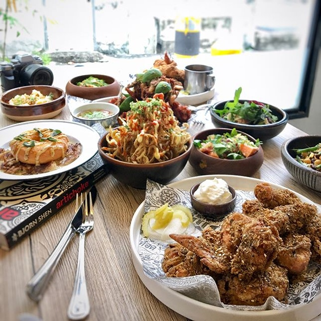 [Invited Tasting] Perhaps being nestled far from the East is a good thing, or so I console myself, especially when a place like Bird Bird swoops in to tempt with dishes for which I have absolutely no resistance.