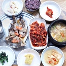 Soy Sauce Raw Marinated Crabs (간장게장) [11,000KRW • 13.60SGD]