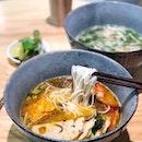 Bun Rieu Cua 番茄虾蟹肉檬粉汤 [$9.80]