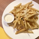 Absolutely delicious and fragrant Truffle Fries from @kithsingapore - definitely worth a try!